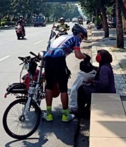 Pesepeda Berbagi. Foto dok. Ompi PCC
