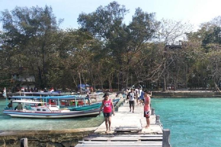 Dermaga Pulau Bulat, salah satu pulau yang ada di kawasan Kepulauan Seribu. Foto: Reynas Abdilla/Tribunnews.com