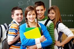 4 Tip bagaimana orangtua menghadapi cinta pertama remaja | foto: freepik/pressfoto—