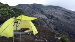 Tenda penulis di shelter 3 (Dokumentasi Pribadi)