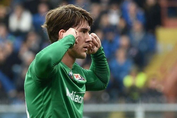 Penyerang Fiorentina, Dusan Vlahovic.(AFP/GETTY IMAGES/PAOLO RATTINI dipiblikasikan kompas.com)