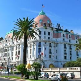 Hotel Negresco, salah satu hotel bersejarah di Nice. Sumber: dokumentasi pribadi