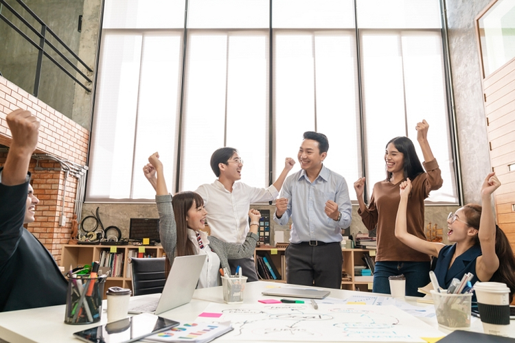 Ilustrasi tim bisnis yang sukses. Sumber: Shutterstock/Chaay_Tee via Kompas.com