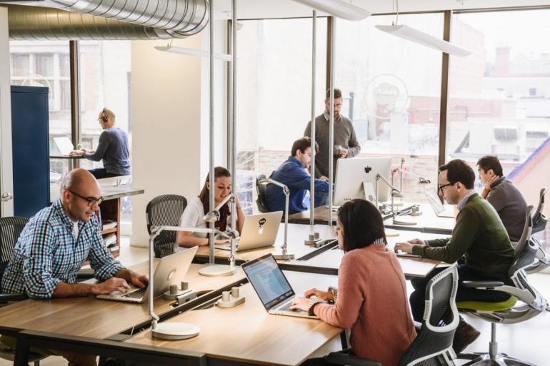 Ilustrasi bisnis dalam perusahaan | Sumber: www.strategyfreaks.com