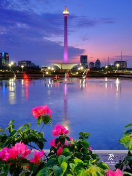 Monas difoto dari kolam dekat Patung Kartini. Sumber: dokumentasi pribadi