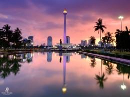 Pesona Monas (Monumen Nasional) menjelang matahari terbenam. Sumber: dokumentasi pribadi