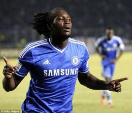 Romelu Lukaku, saat berseragam Chelsea beberapa tahun lalu. (via Getty Images)