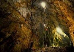 Caving di Luweng Cokro sumber : jogjakita.co.id