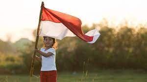 Anak merayakan kemerdekaan - 123rf.com