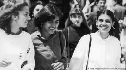 Kebebasan wanita Afghanistan zaman dulu (dw.com)