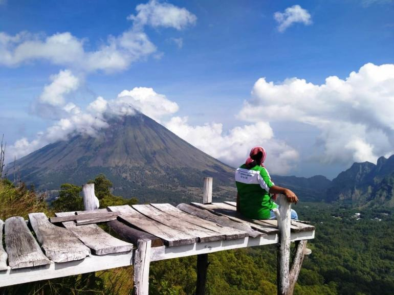 Foto Gunung Ebulobo : Dokumen Pribadi Ev Sare