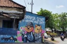 Salah satu mural yang dihapus oleh aparat menandakan ada moral yang tergerus. Sumber: Tribunnews.com
