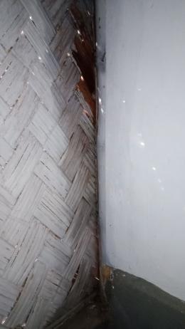 Bagian dapur yang sudah dibersihkan dari sisa penyiraman bensin saat membasmi rayap (dokpri)