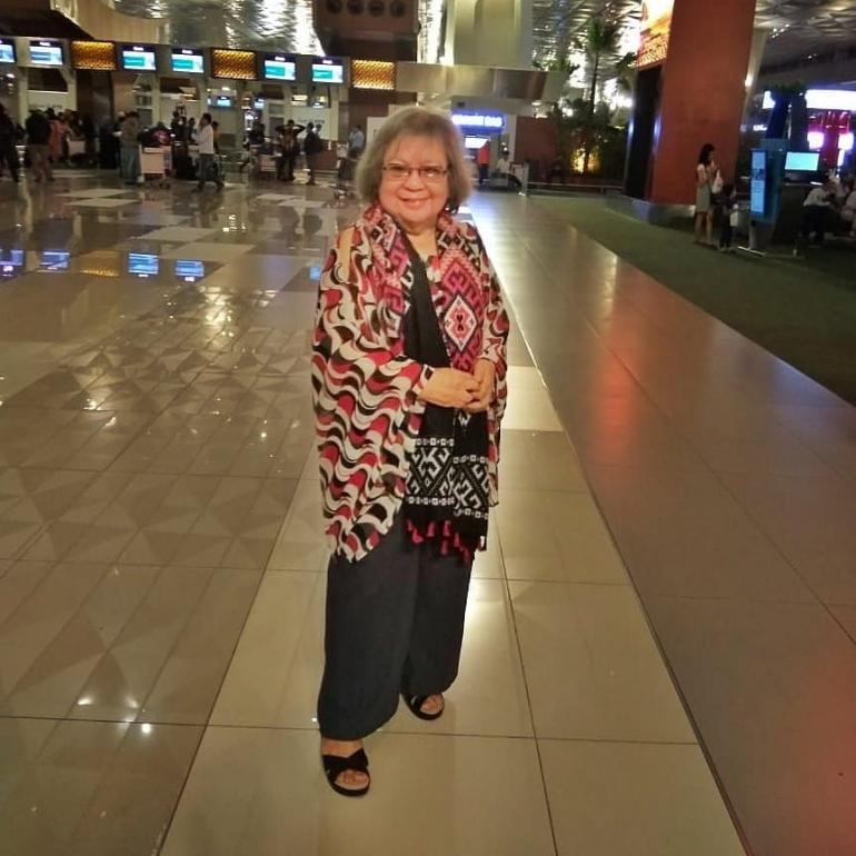 Mami Rose di Bandara sebelum pandemi Covid (foto dari Mami Rose)