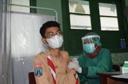 Siswa SMPN 9 Madiun mendapat vaksin (foto dokumen pribadi SMN 9)