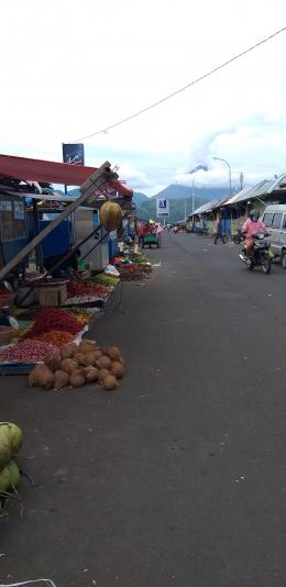 Pedagang yang berjualan jauh dari Lokasi Pasar (dokpri)