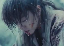 Himura setelah kematian Tomoe   Dok. Warner Bross Japan.