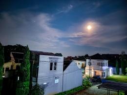 Fenomena Bulan Biru pada 22 Agustus 2021. Sumber: dokumentasi pribadi