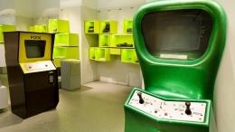 Computer space (hijau) dan Pong (kuning). Photo: Computerspielemuseum