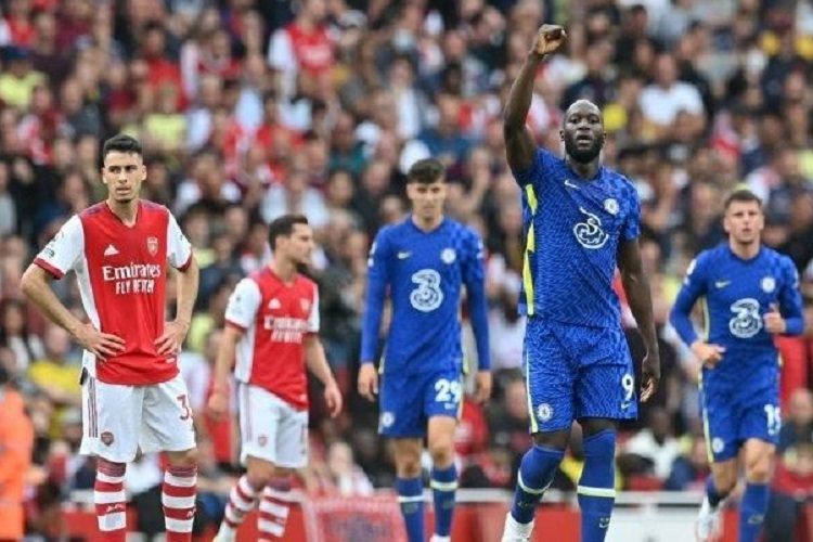 Romelu Lukaku dkk. menundukkan Arsenal di Emirates Stadium di pekan kedua Premier League 2021/22 (22/8). Sumber: AFP/Justin Tallis/via Tribunnews.com