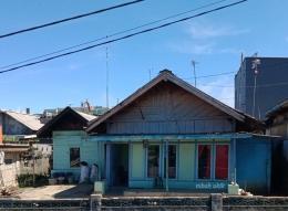 Rumah kayu tersisa. (dokumen pribadi)