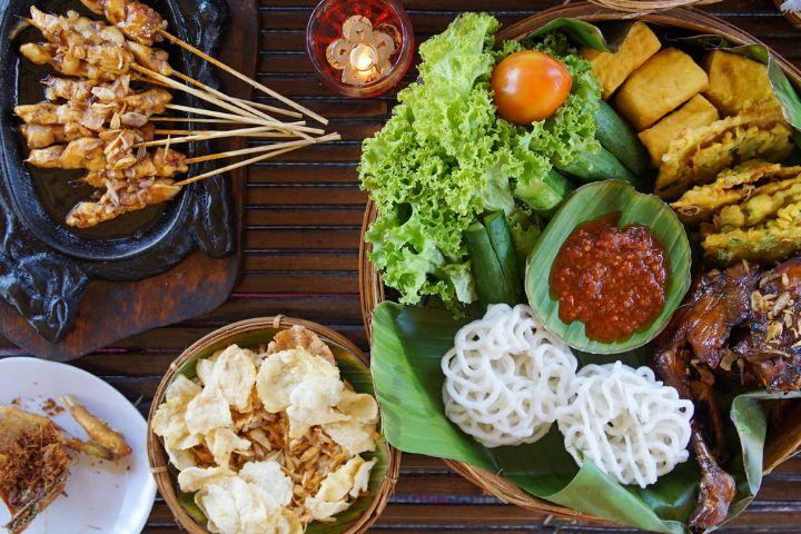ilustrasi indonesia food from canva.com