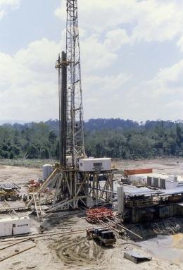 Land Rig di Aceh. Sumber: flickr.com