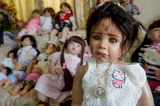 Kisah Nyata Para Pemelihara Boneka