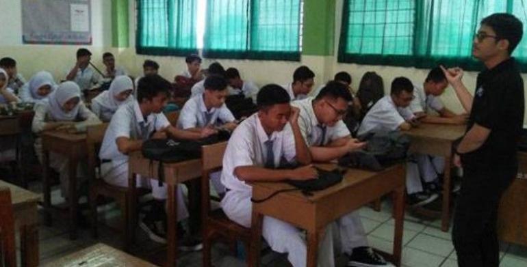 ilustrasi pembelajaran tatap muka|sumber foto: edukasi.sindonews.com/SMA-Budhi-Warman-Kramatjati