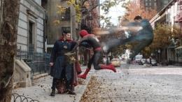 Spider-Man No Way Home akan mempertemukan Peter Parker dan Doctor Strange. Sumber: Deadline