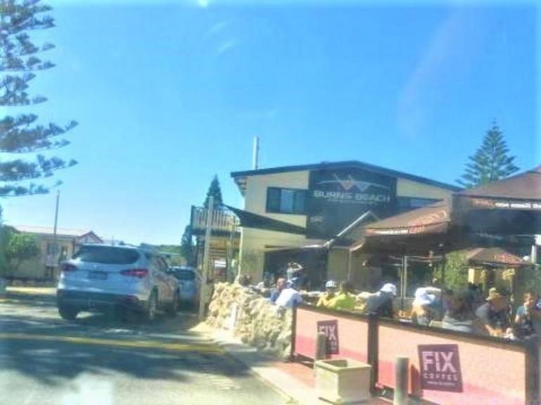 cafe di Burns Beach/dokumentasi pribadi