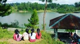 Sumber Foto: Para Anak Perempuan di salah satu desa di Samosir (Agustus/Bit/2021)