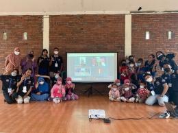 Dokumentasi KKN 65. Foto bersama anak-anak Dusun Sangurejo di akhir acara Sabtu Bercerita.