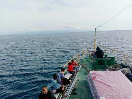 Kapal angkutan penumpang dan barang melintasi laut Sulteng. Doc Pri