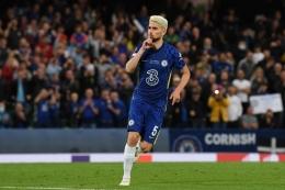 Gelandang Chelsea, Jorginho terpilih sebagai Pemain Terbaik UEFA 2020/2021.  Sumber: AFP/PAUL ELLIS via Kompas.com