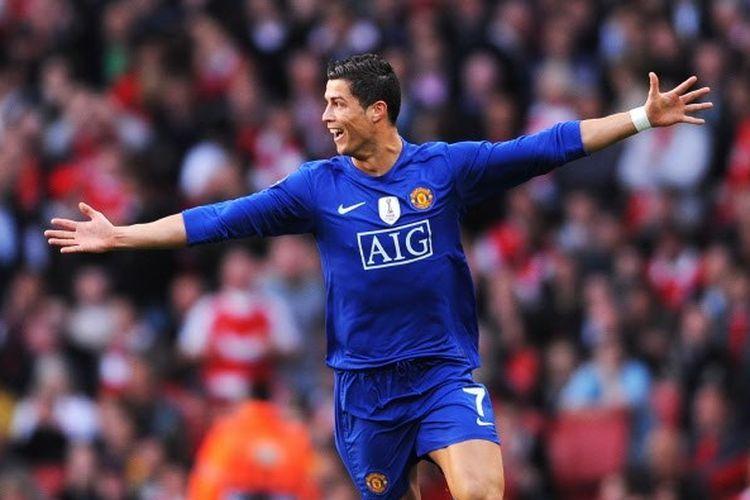 Cristiano Ronaldo merayakan gol pada laga leg kedua semifinal Liga Champions 2008-2009 di Emirates Stadium, 5 Mei 2009. Sumber: kompas.com