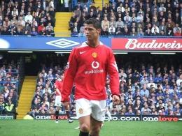 Ronaldo kembali ke MU. Foto ini saat Ronaldo bermain lawan Chelsea pada 2005-2006 (Ray Booysen - Flickr. CC 2.0)