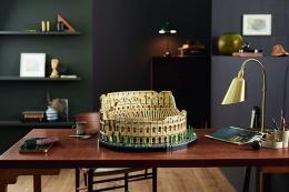 Colosseum yang terbuat dari LEGO | Sumber foto: Perusahaan LEGO