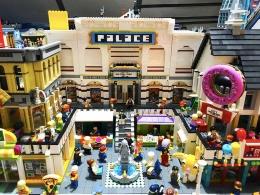 Kreasi bangunan dari LEGO | Sumber foto: Indobrickville & Andy Jarvis