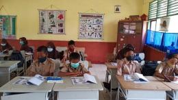 Membagikan bahan ajar dan LKPD kepada siswa sebelum hari H pelaksanaan PPL 1