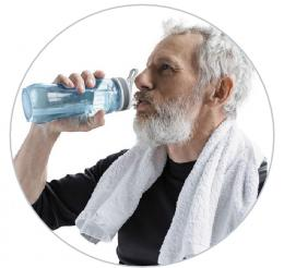 Minum banyak air. Sumber: What Doctors Don't Tell You, September 2021, hlm. 46.