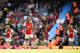 Ekspresi kecewa pemain-pemain Arsenal usai kalah dari Manchester City di Liga Inggris (28/8)/Foto: AFP