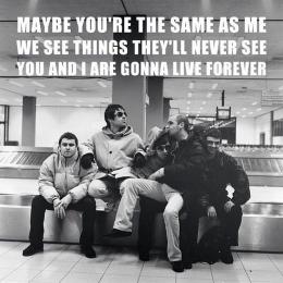 Anggota Oasis di sebuah bandara. Sumber: instagram.com/oasis