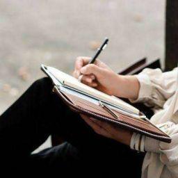 Menulis reflektif (Sumber gambar: Akuma-Kenny wattpad.com).
