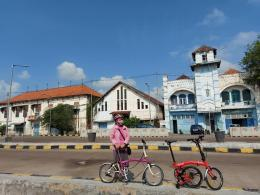 Beberapa gedung di pelabuhan dibangun sejak masih masa penjajahan Belanda. (Dokpri)