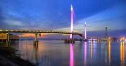 Jembatan Gentala Arasy, Jambi. Foto: Istimewa/daelpos.com