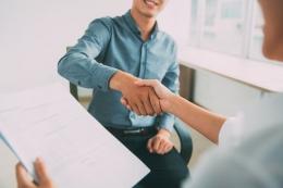 Ilustrasi nego gaji saat wawancara kerja. Sumber: MangoStar Studio via Kompas.com