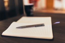 Menulis untuk peradaban | Foto oleh Negative Space dari Pexels