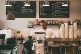 Carilah supplier yang punya nilai-nilai bisnis yang sama dengan Anda (sumber foto: Dan Burton on Unsplash)