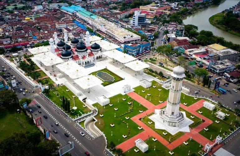 Tampilan sekilas Kota Banda Aceh. Sumber: instagram.com/kotabandaatjeh